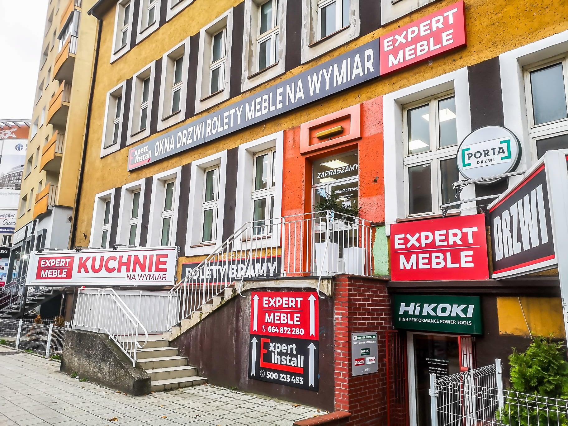 Wejście po schodach do naszego biura w Szczecinie